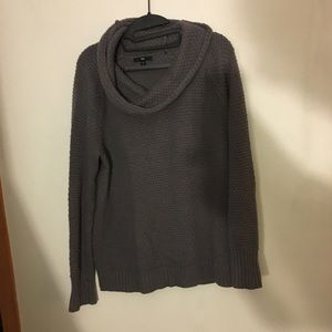 Grey gap sweater